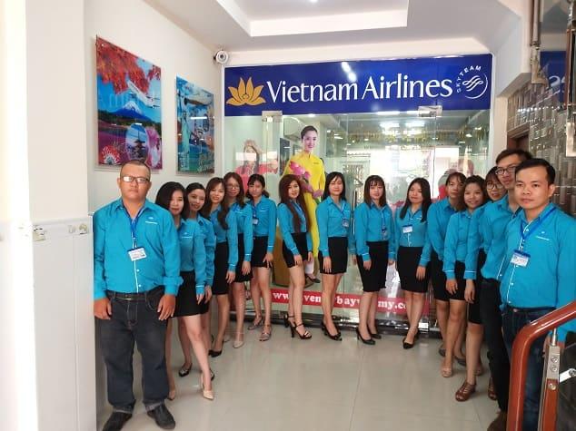 đồng phục văn phòng vé máy bay